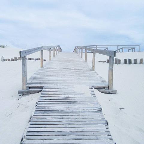 chemin-plage-minimalisme
