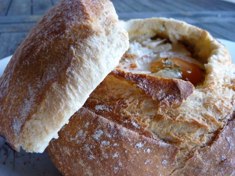 soupe-de-pain-dans-un-pain-boule-recette-vegetarienne