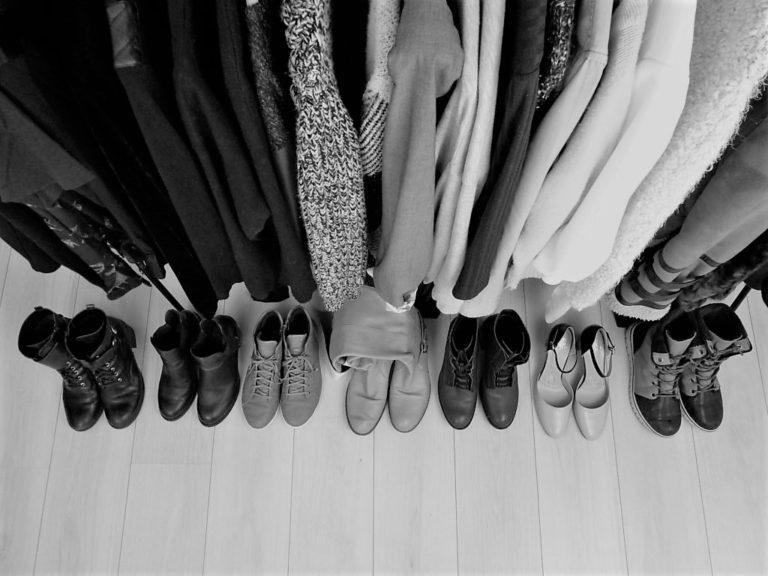 dressing-minimaliste-noir-et-blanc