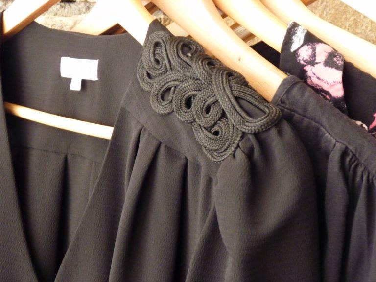 garde-robe-capsule-capsule-wardrobe-printemps-2017-blouse-noire-claudie-pierlot