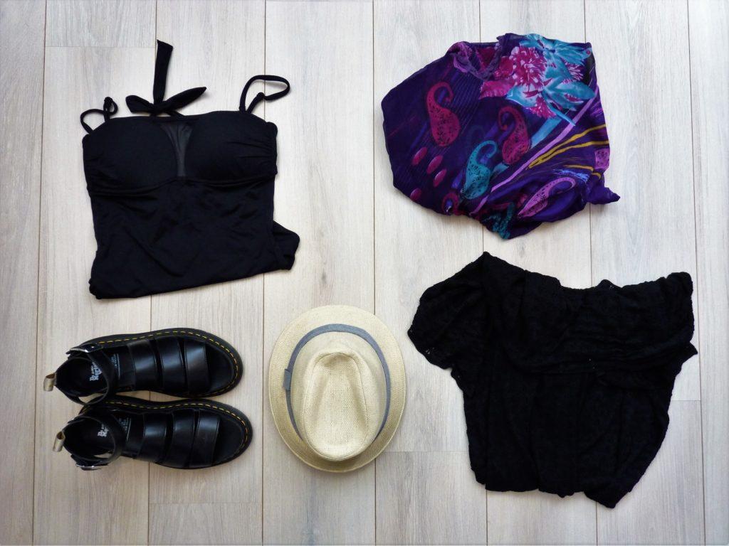 valise-minimaliste-vacances-vêtements-accessoires