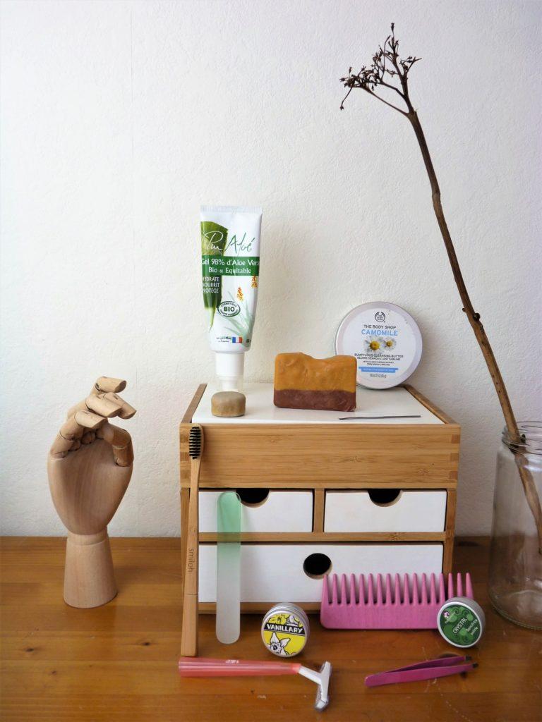 valise-minimaliste-vacances-beauté-soins