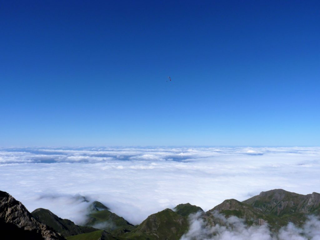 pic-du-midi-de-bigorre-clouds-sky-view-panormama-ciel-nuages-montagnes-mountains-ulm-fly