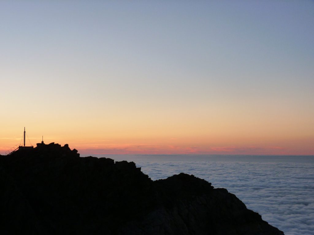 pic-du-midi-de-bigorre-clouds-sky-view-panormama-ciel-nuages-sunset
